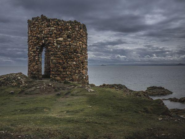 Ruin near Elie © Fraser Watson