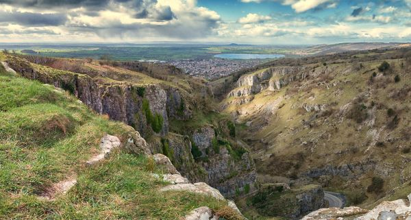 Horseshoe Bend, Cheddar Gorge © Devlin Willoughby