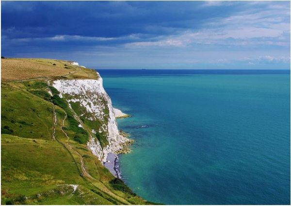 The chalk cliffs above Crab Bay © Mark Sewell