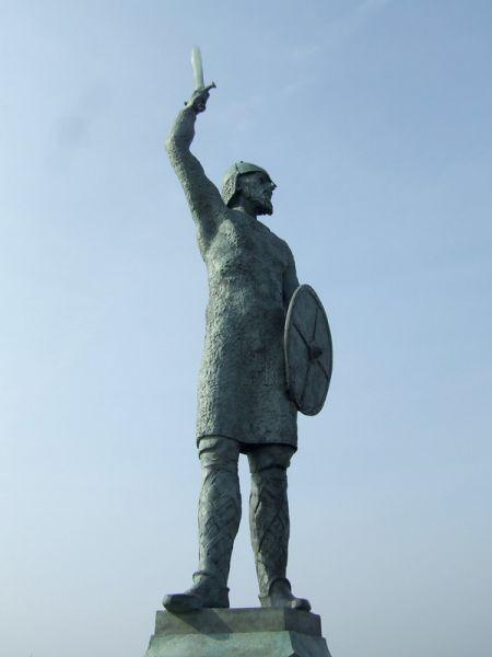 Byrhtnoth statue, Maldon - Jon Combe