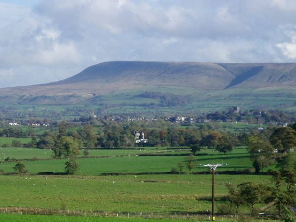 Pendle Hill (Wikipedia)