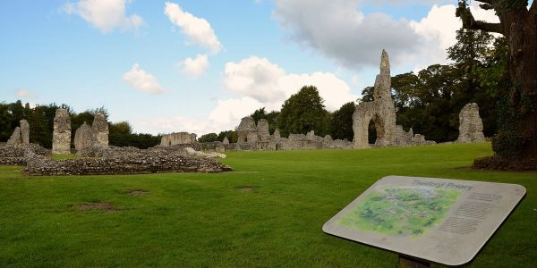 Remains of Thetford Priory (Wikipedia)