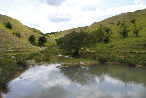 Isbourne Way - The Washpool © Peter Teague