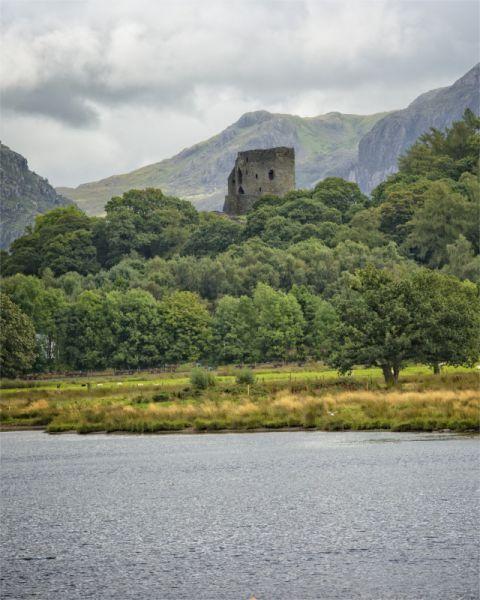 Dolbadarn Castle, Llanberis © John Bell