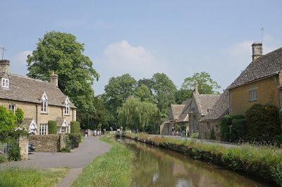Lower Slaughter © Peter Hyde