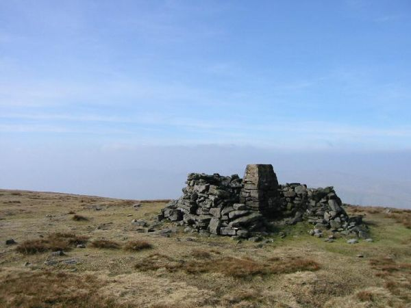 The summit of Wild Boar Fell (Wikipedia)