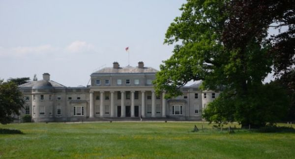 Shugborough Hall (Wikipedia)