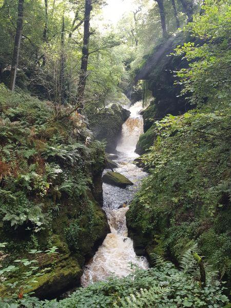 Rhaedr Cynfal Falls