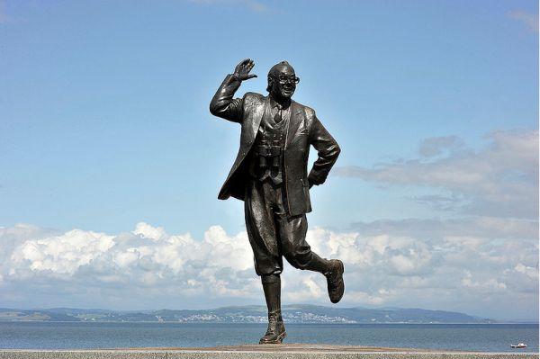 Eric Morecambe Statue, Morecambe © David Crausby FRSA