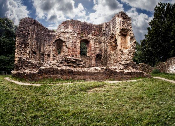 Ewloe Castle © John Bell